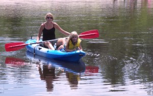 Lindy and daughter on Kayak