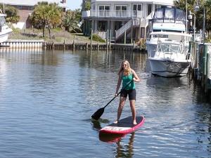 Lindy paddleboarding